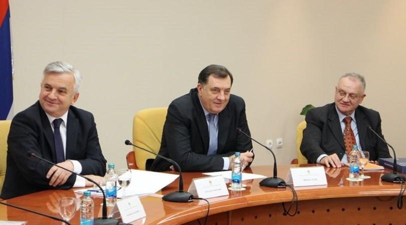 Milorad Dodik najavljuje referendume o raznim pitanjima u 2016. godini