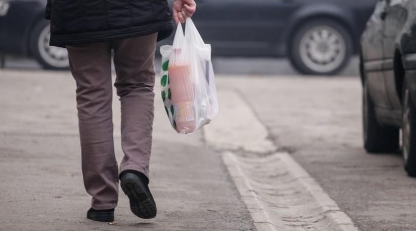 Uredbu o naplati plastičnih kesa trgovci u FBiH koriste za vlastitu finansijsku korist