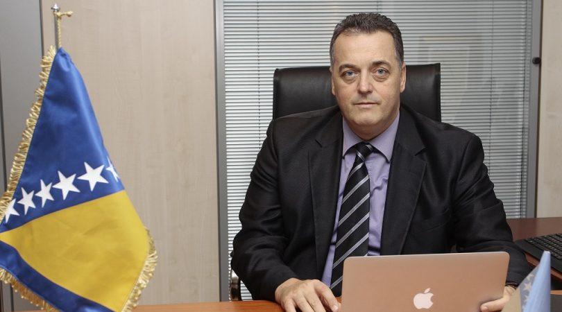 Faris Gavrankapetanović –  supervizor samom sebi